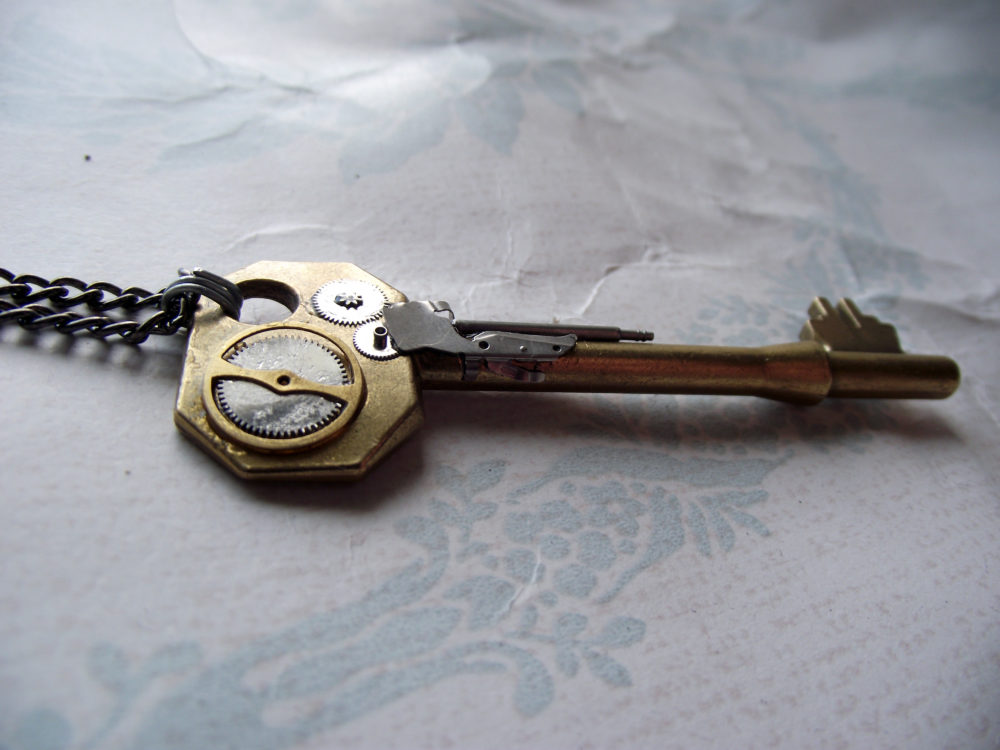 Dirigible Doorkey Necklace