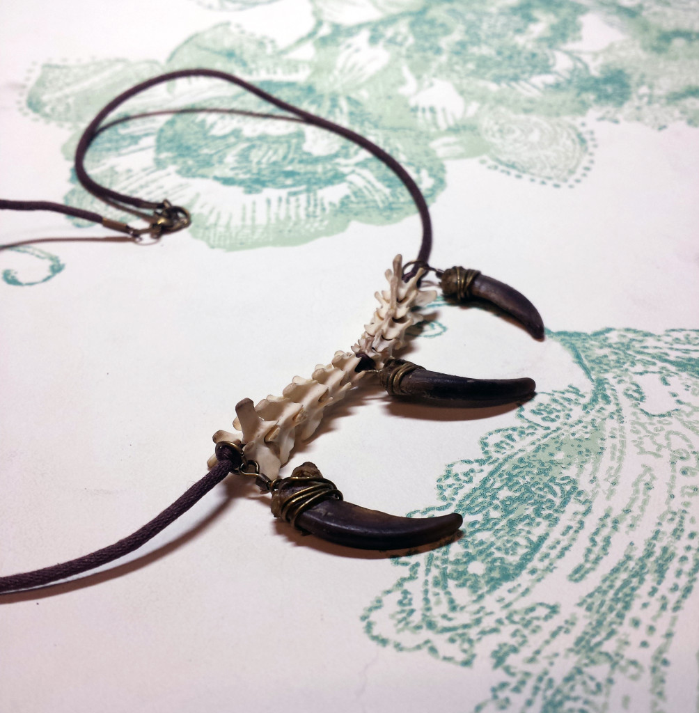 Greater Clawed Radger Necklace
